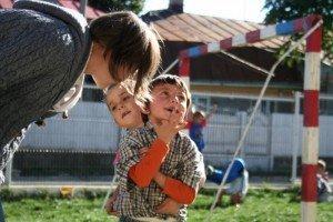 Volontari e bambini Centro PInocchio