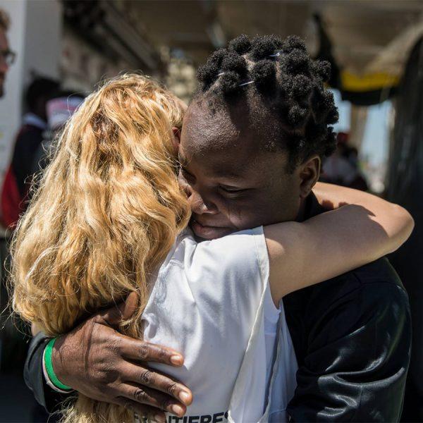 restiamo-umani-e-solidali